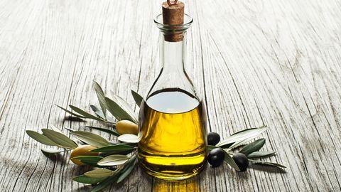 bouteille-huile-d-olive-avec-fruits-olives