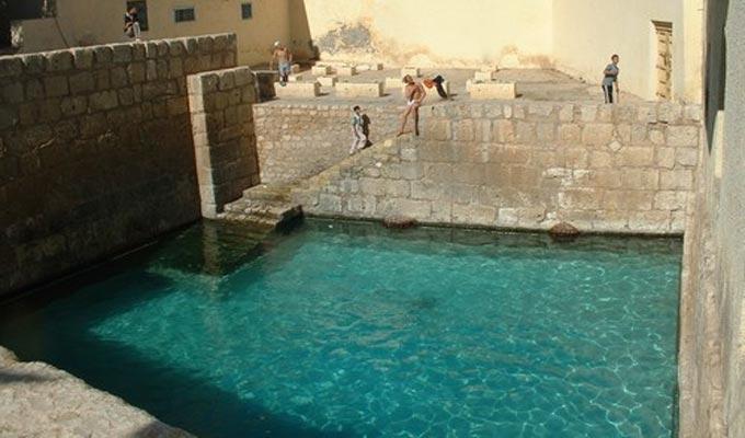 piscine-romaine-gafsa-eau
